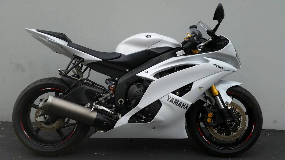 2015 yamaha r6 pearl white ak motors for Yamaha credit application